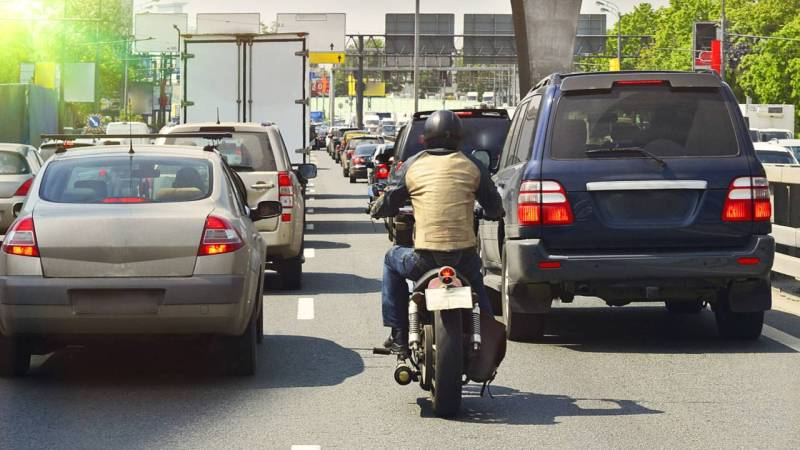 motorcycle-filtering-traffic.jpg