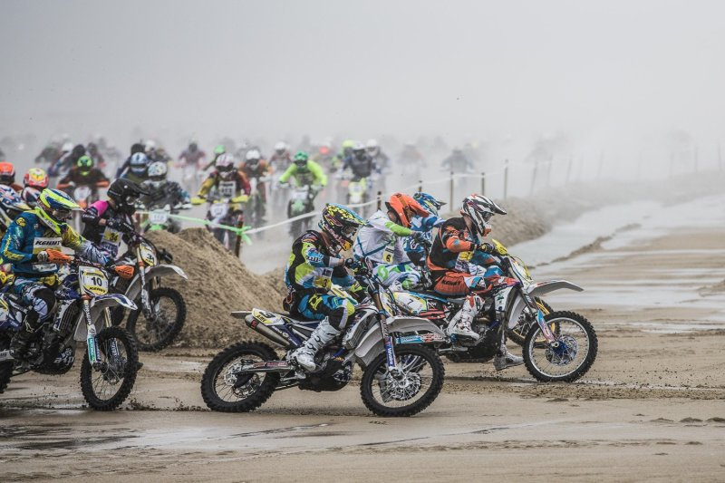 riders-race-through-the-first-turn-of-the-enduropale-du-bouquet-beach-race-on-the-sands-of-le-touquet-in-northern-france-.jpg